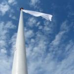 Weiße Flagge am Strand von Lakolk auf der Insel Rømø